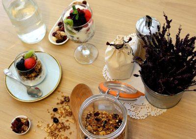 yogurt-con-cereales-frutas